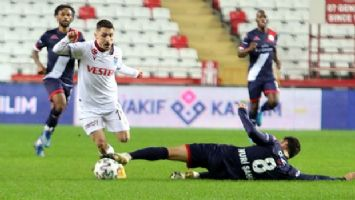 Antalyaspor, Trabzonspor ile berabere kaldı