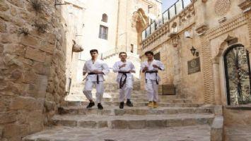 Mardinli karatecilerden tarihi sokaklarda milli takım hazırlığı
