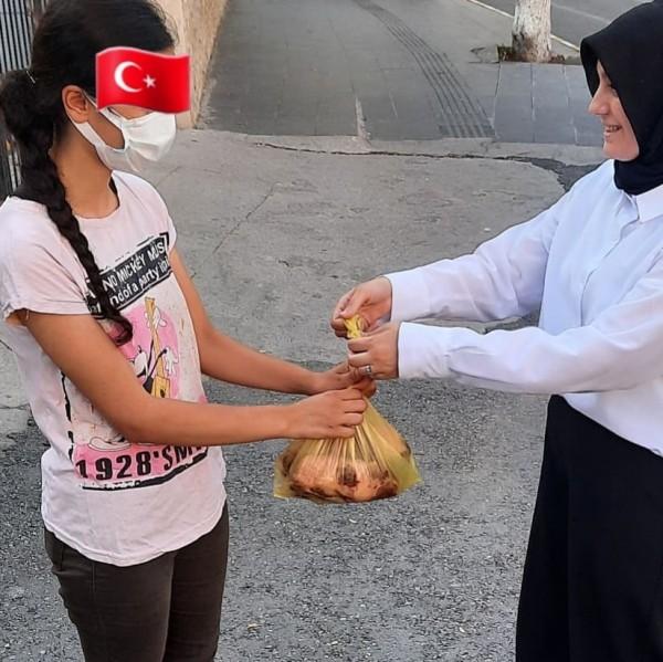 MHP Kadın Kollarından İhtiyaç Sahiplerine Kurban Eti