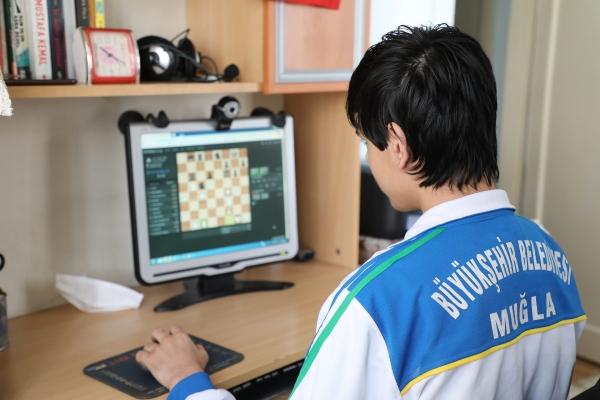 Muğla'nın satranç turnuvasında 4 ülke online yarışacak