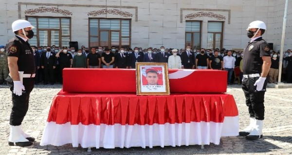 Siirt'te kazada hayatını kaybeden polis memuru için tören düzenlendi