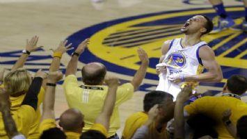 Stephen Curry kariyer rekoru kırdı, Warriors sahasında Trail Blazers'ı mağlup etti