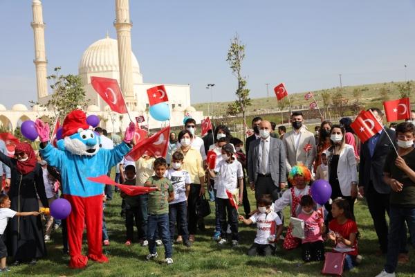 Suriyeli 85 öğrenci Mardin'e misafir edildi